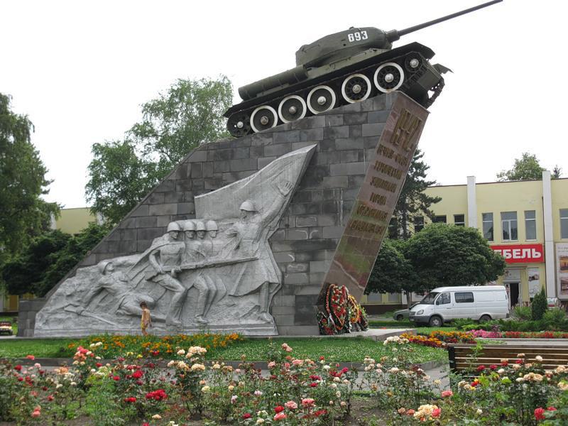 http://osetia.biz/images/dostoprimechatelnosty/12/gallery/monument_slavi_08.jpg